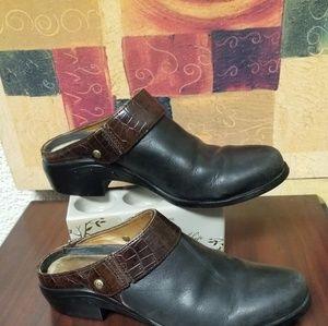 USED Ariet Slingback black w/brown clogs/mules